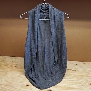 Forever 21 sweater vest gray